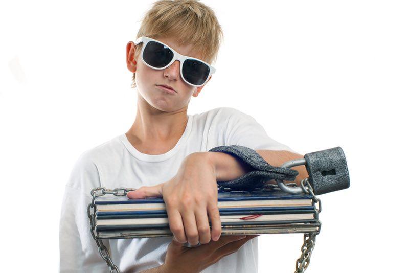 Como lidar com o furto na adolescência